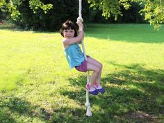 How to Make a Rope Spinner Swing >> http://www.diynetwork.com/content/diy-com/en/how-to/outdoors/outdoor-spaces/how-tos/2015/how-to-make-a-rope-spinner-swing.html