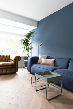 Awesome living room decorating for small spaces 1 Good Living Room Colors, Living Room Color Schemes, Living Room Modern, Home Living Room, Living Room Designs, Living Room Decor, Interior Exterior, Home Interior Design, Interior Ideas