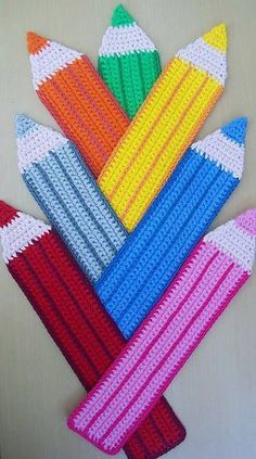 RAINBOW Crochet Pencils