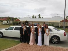 The Chrysler 300C limousine is a popular limousine for 10 passengers