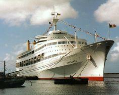 Canberra alongside of her berth at Aruba, where Clive Harvey photographed her during her final World Cruise. Sea Storm, World Cruise, Falklands War, Merchant Navy, Beautiful Ocean, Submarines, Battleship, Sailing Ships, Australia