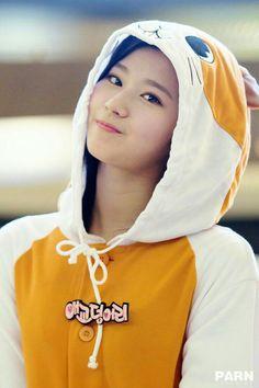 Sana of Twice Kpop Girl Groups, Korean Girl Groups, Kpop Girls, Extended Play, Nayeon, K Pop, Sana Cute, Rapper, Twice Photoshoot