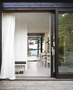 If I ever have sliding glass doors they are going to awesome like this. Not like the typical wimpy ones.