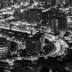 Te presentamos la selección del día: <<BLANCO Y NEGRO>> en Caracas Entre Calles. ============================  F E L I C I D A D E S  >> @ricar2artemol << Visita su galeria ============================ SELECCIÓN @marianaj19 TAG #CCS_EntreCalles ================ Team: @ginamoca @huguito @luisrhostos @mahenriquezm @teresitacc @marianaj19 @floriannabd ================ #blancoynegro #byn #bnw #Caracas #Venezuela #Increibleccs #Instavenezuela #Gf_Venezuela #GaleriaVzla #Ig_GranCaracas…