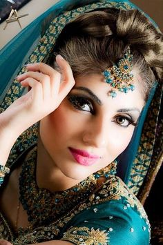 http://www.indusladies.com/forums/attachments/hair-care-and-hair-styles/184503d1365352048t-hairstyle-with-maang-tikka-indian-bridal-maang-tikka-2.jpg