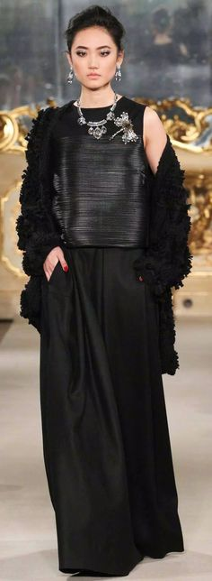 Floor-lenght black skirt with leather top and oversized tufted velvety cord knitted coat by Les Copains RTW 2015