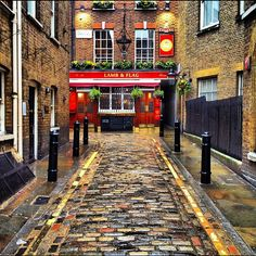 The Lamb and Flag pub. Established in 1772 and another of Charles Dickens' watering holes. Covent Garden. London