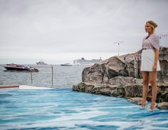 Blake Lively for the presentation of the movie The shallow at Plage majestic featuring the splendid Aquariva courtesy of Cannes Boat Service #photocall#editorial#adr#filming#live @riva.mbs @cannes_filmfestival