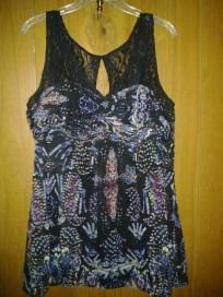 Nicole v pretty top chiffon with lace she will like it size 1x G free ship for $ 17.99 newt