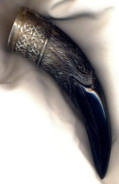 Drinking Horns bird crow raven beak black carved detail Odin raven