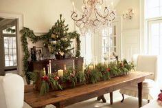 17 Magical Christmas Dining Table Decoration Ideas