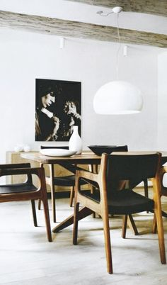= black, white and wood dining