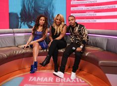 "Tamar Braxton Brings Hot Sugar to 106 & Park (Video)- http://getmybuzzup.com/wp-content/uploads/2013/10/206484-thumb.jpg- http://getmybuzzup.com/tamar-braxton-brings-hot-sugar-to-106-park-video/-  Tamar Braxton Brings Hot Sugar to 106 & Park By Rap-Up It was a Tamartian takeover when Tamar Braxton returned to ""106 & Park"" on Friday. The R&B songstress sat down on the couch with Bow Wow and Keshia Chante and premiered the sizzling video for ""Hot Sugar."" """