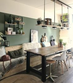 Inspiration: a wooden plank in your interior - plank your mind . Farmhouse Style Kitchen, Modern Farmhouse Kitchens, Farmhouse Decor, Room Inspiration, Interior Inspiration, Home Living Room, Living Room Decor, Home Luxury, Sweet Home