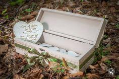 Cutia cu amintiri este plina de emotie si iubire. Este cutia ta, in care am strans cele mai frumoase sfaturi, urari, citate. Mai, Handmade, Hand Made, Handarbeit