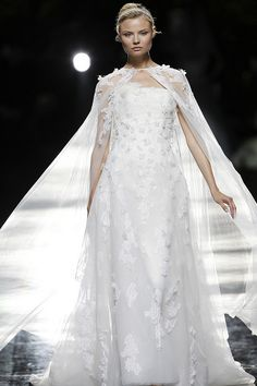 ULAMI - Pronovias 2013 Bridal Collection, via Flickr.