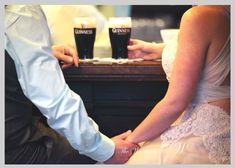 The happy couple drink a Guinness in an Irish pub, typical of our beautiful country take the idea ! Elope Wedding, Post Wedding, Wedding Couples, Dream Wedding, Ireland Wedding, Irish Wedding, Marquee Wedding, Destination Wedding Planner, Wedding Advice