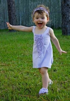 teeshirt redos | Super cute dress made from an adult t-shirt. I think I could do this ...