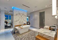 Baño en Dekton Aura  Contactanos a ventas@canterasdelmundo.com  www.canterasdelmundo.com  #dekton #revestimientos #baños #ideas #aura