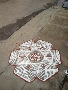 kolam Rangoli Designs Flower, Rangoli Patterns, Colorful Rangoli Designs, Rangoli Ideas, Rangoli Designs Diwali, Kolam Rangoli, Flower Rangoli, Beautiful Rangoli Designs, Mehandi Designs