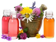 Going natural is usually always better, and your skin is no exception. Use natural essential oils for your skin care. Essential Oils For Colds, Therapeutic Essential Oils, Essential Oils Guide, Essential Oil Uses, Camomille Romaine, Troubles Digestifs, Cold Home Remedies, Natural Remedies, Frugal