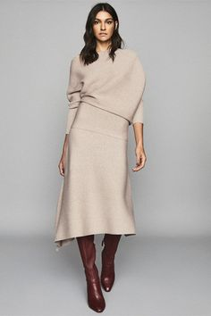 Leonora Stone Asymmetric Knitted Skirt – REISS History of Knitting String rotating, weaving and stitching careers such as for instance BC. Modest Fashion, Fashion Outfits, Womens Fashion, Fashion Beauty, Ethno Style, Fashion Editor, Fashion Trends, Neue Outfits, Knit Skirt