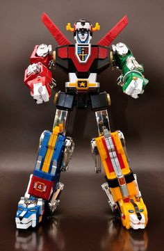 Voltron still have my all metal deluxe Voltron bot. So fun pulling it into separate lions & putting it back together