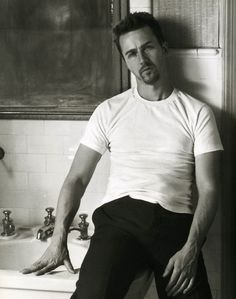 "Favorite Actor No. 1: Edward Norton ~ Outstanding actor. Love his roles in ""American History X"" and ""Fight Club."""