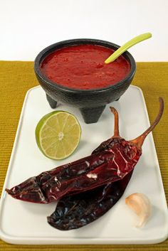 Hungry Cravings: Salsa Series: Guajillo Salsa