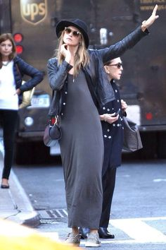 Maxi dress with sneakers and leathear jacket