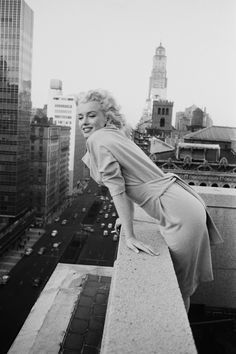 Marilyn Monroe, 1955 atop the Ambassador Hotel. (This photo has been used to photoshop James Dean and Elvis at the top with her, but she was alone. She never met James Dean.)