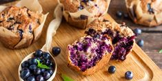 The Best Ever Healthy Homemade Blueberry Muffin Recipe - Intentional Family Life Desserts With Biscuits, Ww Desserts, Muffin Recipes, Baby Food Recipes, Diet Recipes, Homemade Blueberry Muffins, How To Make Waffles, Making Waffles, Nutrition