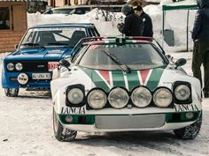 Winter Marathon Rally // Love the ever-imposing Stratos, but that blue 124 looks pretty beastly too. Sport Cars, Race Cars, Strange Cars, Rally Raid, Lancia Delta, What Is Like, Cars And Motorcycles, Classic Cars, Automobile