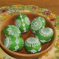 Αναζήτηση προϊόντων: Kraslice / ΠΡΟΪΟΝΤΑ | Fler.cz Egg Crafts, Easter Crafts, Eastern Eggs, Easter Paintings, Polish Easter, Easter Egg Pattern, Egg Tree, Easter Tree, Faberge Eggs