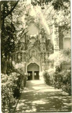 Atrio de la Parroquia del Convento de San Francisco