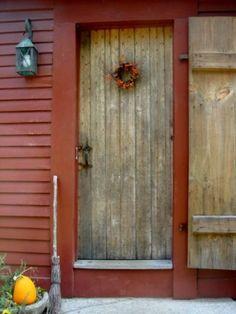 Love the shuttered door...
