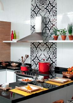 Kitchen backsplash ideas that will brighten and modernize your kitchen. with cabinets, diy for big and small kitchen - white or dark cabinets, tile patterns Red Kitchen, Kitchen Backsplash, Kitchen Interior, Kitchen Dining, Kitchen Decor, Kitchen Cabinets, Dark Cabinets, Backsplash Ideas, Warm Kitchen