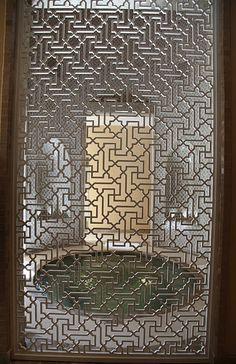 Chic in Morocco: Four Seasons Marrakech Metal Room Divider, Room Divider Screen, Room Dividers, Four Seasons Marrakech, Motifs Islamiques, Motif Oriental, Mandarin Oriental, Decorative Metal Screen, Partition Screen