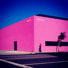 This bright pink Paul Smith store in LA is certainly eye catching!