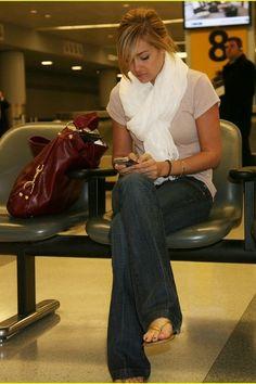 white scarf, jeans, flip flops