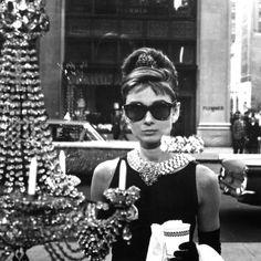 °Breakfast at Tiffany's° Oliver Goldsmith Manhattan sunglasses as worn by Audrey Hepburn Audrey Hepburn Movies, Audrey Hepburn Breakfast At Tiffanys, Aubrey Hepburn, Audrey Hepburn Sunglasses, Oliver Goldsmith Sunglasses, Glamour, Celebs, Celebrities, Elegant