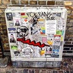 How many familiars can you spot? Tag 'em if you know 'em! #stickers #streetart #copenhagenstreetart
