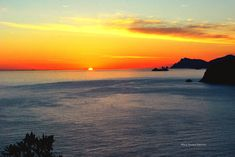 What a wonderful #sunset https://flic.kr/p/jzDzL7 | There is a thrill in the air | An unforgettable sunset in Amalfi Coast (Italy)