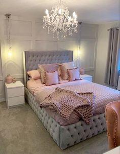 30 Teen Girl Bedroom Decor Ideas - The Wonder Cottage Bedroom Decor Grey Pink, Pink And Grey Room, Fancy Bedroom, Bedroom Decor For Teen Girls, Pink Bedrooms, Girl Bedroom Designs, Teen Room Decor, Room Ideas Bedroom, Home Decor Bedroom