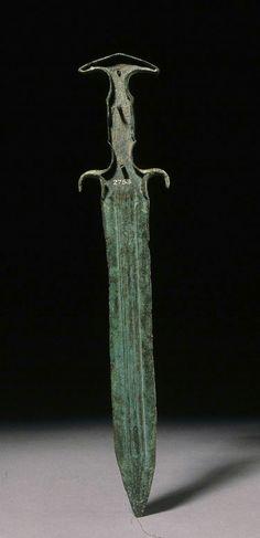 Mycenaean Dagger found Britain