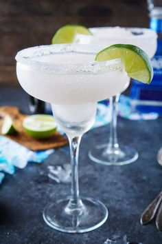 These Frozen Champagne Margaritas are a fun blend of silver tequila, bubbly champagne, limes, and ice - Perfect for New Year's Eve and Cinco de Mayo!