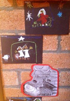 Tekeningen van pandakrijt, in het stalletje