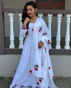 Image may contain: 1 person, standing Dress Indian Style, Indian Outfits, Nice Dresses, Girls Dresses, Sleeves Designs For Dresses, Kurti Designs Party Wear, Figure Skating Dresses, Stylish Girl Pic, Indian Celebrities
