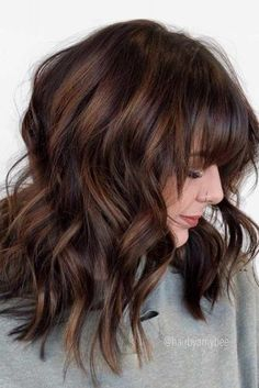 30 Sexiest Wispy Bangs You Need to Try in 2019 Modern Shag With Bangs ❤️ Want to get feathered hair? Here you can find the latest ideas that are popular in 2018 and will always be around: from awesome short and medium feathers to long, volumetric cuts. Feathered Hair Cut, Feathered Hairstyles, Long Angled Bob Hairstyles, Hairstyles Haircuts, Simple Hairstyles, Bob Haircuts, Wedding Hairstyles, Red Hair Cuts, Medium Hair Styles