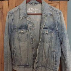 Light denim GAP 1969 jacket Light washed 1969 classic fit GAP Jackets & Coats Jean Jackets